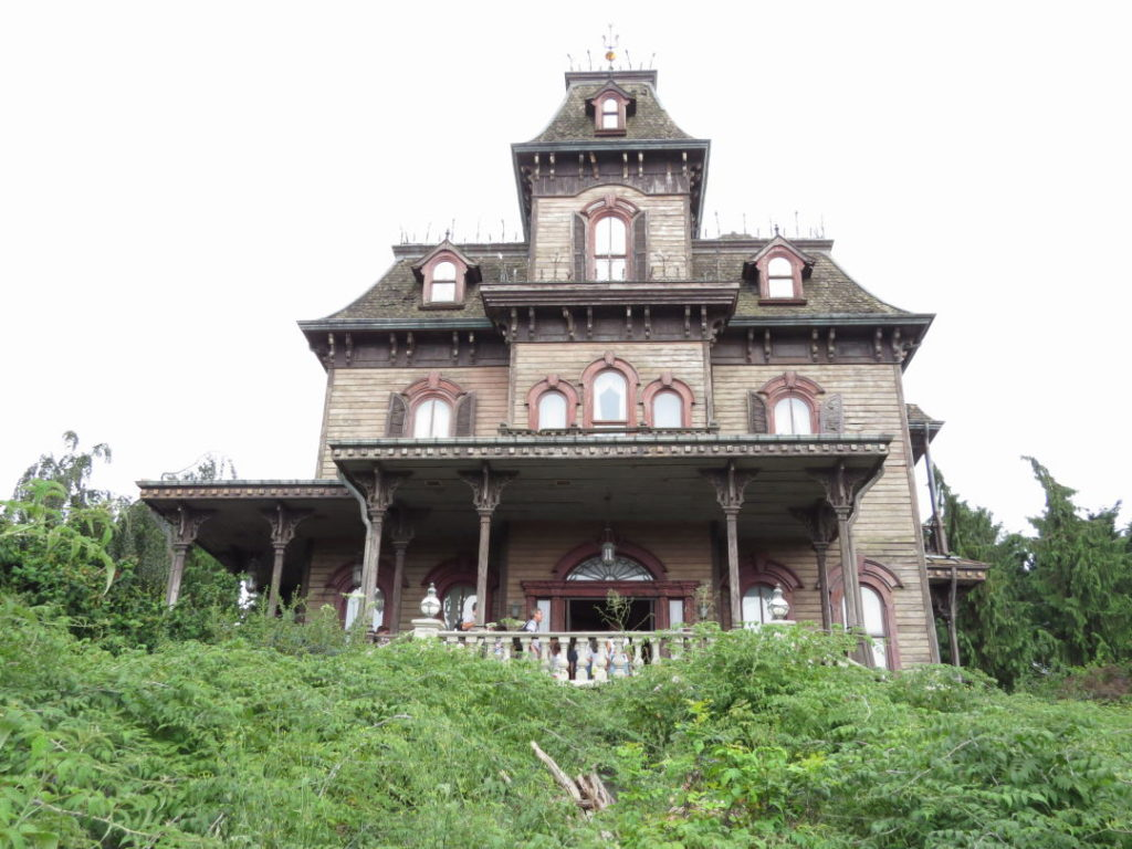 Phantom Manor -  A Disneyland Paris vale a pena?