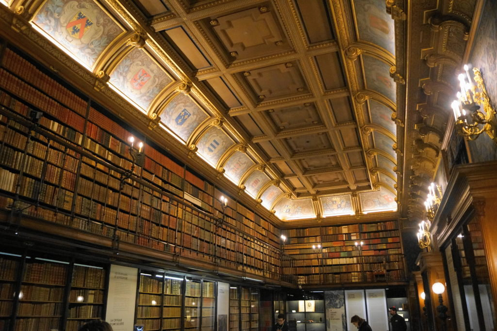 O Cabinet des Libres - O Castelo de Chantilly França vale a pena?