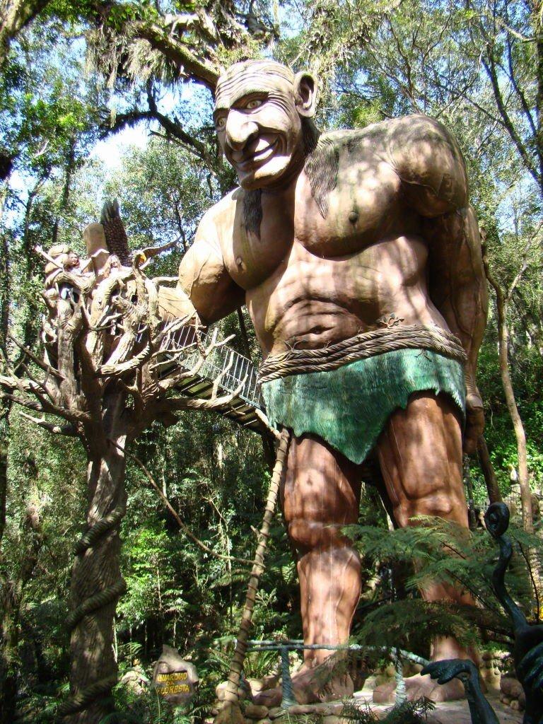 Guardião da Floresta - O que fazer no Parque Terra Mágica Florybal em Canela