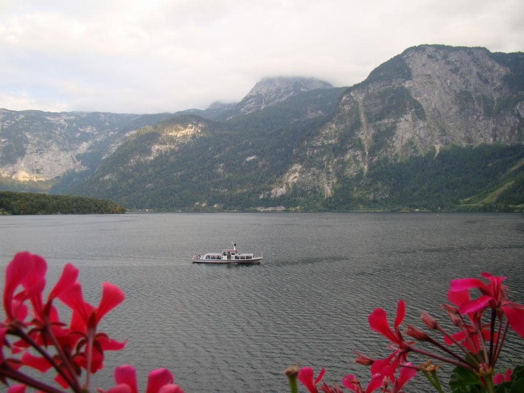 Lago de Hallstatt , visto da sacada do quarto da Pensão Sarstein - Hallstatt Áustria