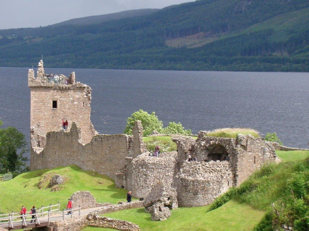 O Melhor das Highlands Escocesas, Castelo de Urquhart e Lago Ness - Para onde viajar em julho na Europa