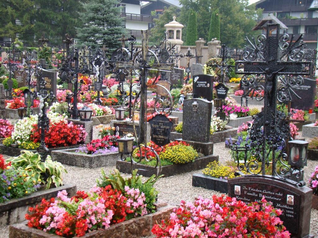 Cemitério de Strobl - O que fazer na Áustria? Salzkammergut!
