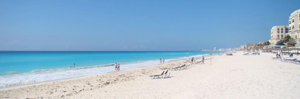 Praia em frente ao JW Marriot em julho/agosto - O que f Méxicoazer em Cancun
