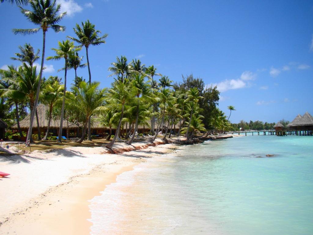 Praia do Kia Ora em Rangiroa - Ilha paradisíaca da Polinésia Francesa