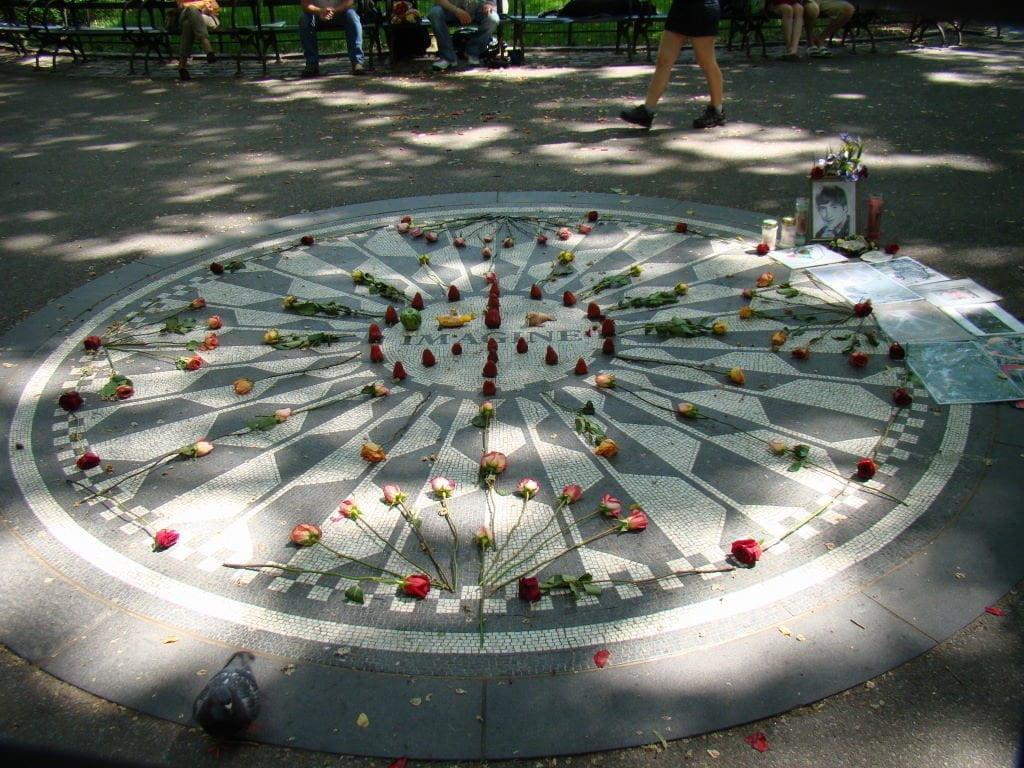 Strawberry Fields - Parque em Nova York? Central Park!