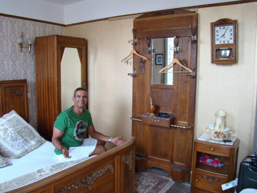 Hotel Detetive em Étretat
