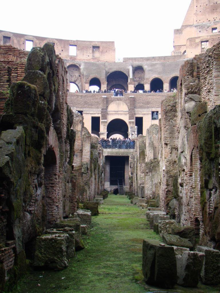 Coliseu visto do Hipogeu - Pontos Turísticos de Roma - O que fazer em 3 dias