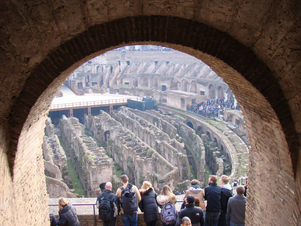 Coliseu visto da entrada da Third Tier - Pontos Turísticos de Roma - O que fazer em 3 dias