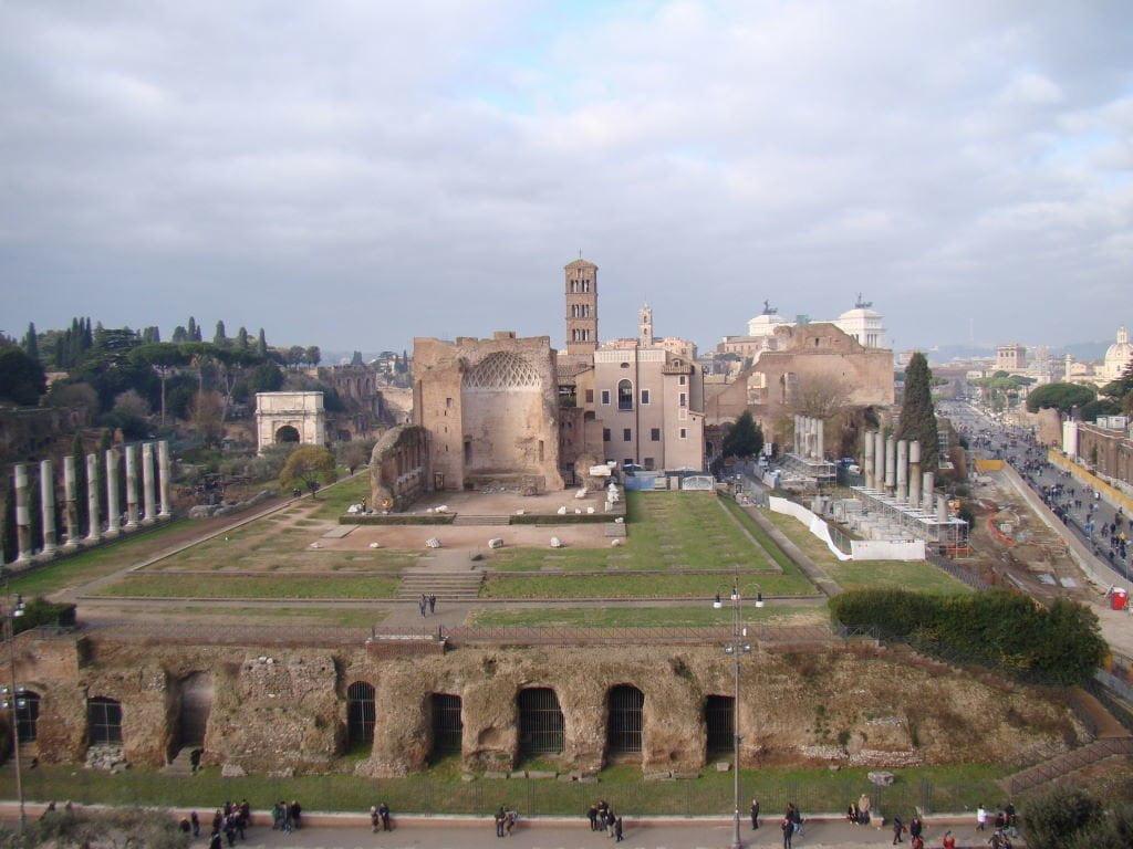 Fórum Romano visto da Third Tier do Coliseu - Pontos Turísticos de Roma - O que fazer em 3 dias