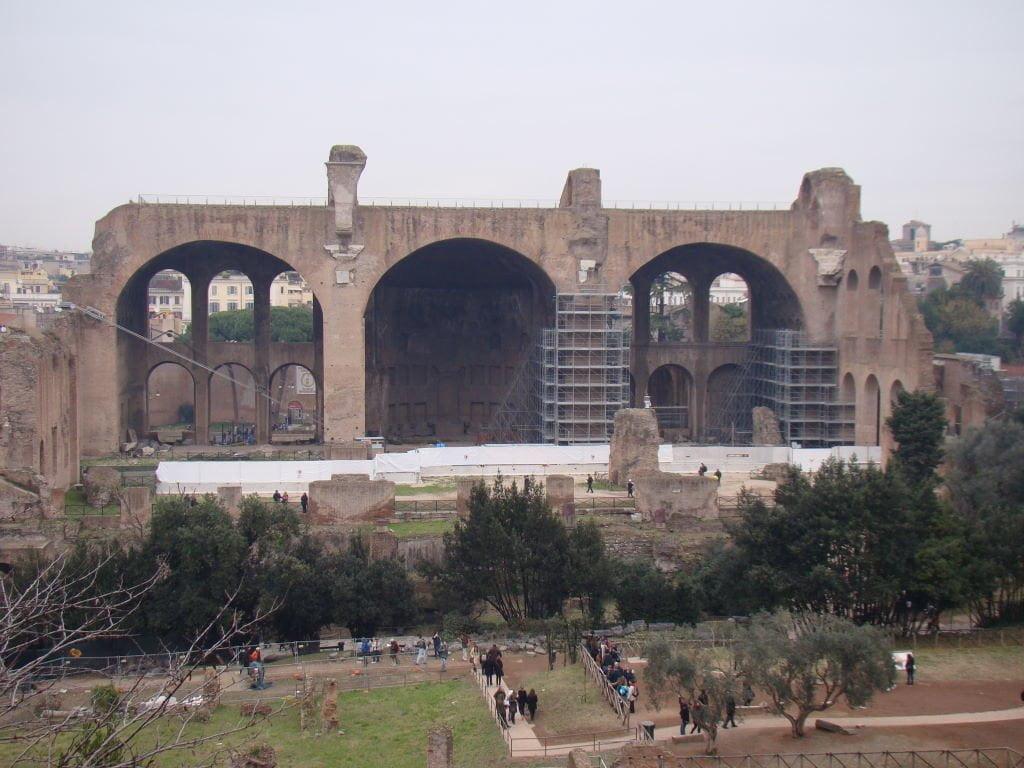 Basílica de Constantino no Fórum Romano - Pontos Turísticos de Roma - O que fazer em 3 dias