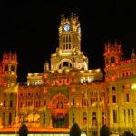 Palácio de Cibeles, Roteiro por Madri a pé, a noite e de graça