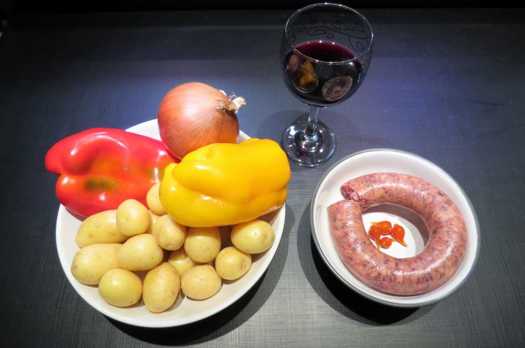 Comidas típicas do México - Linguiça com batata - Papas con chorizo