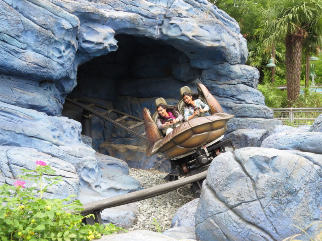 Crush's Coaster - A Disneyland Paris vale a pena?