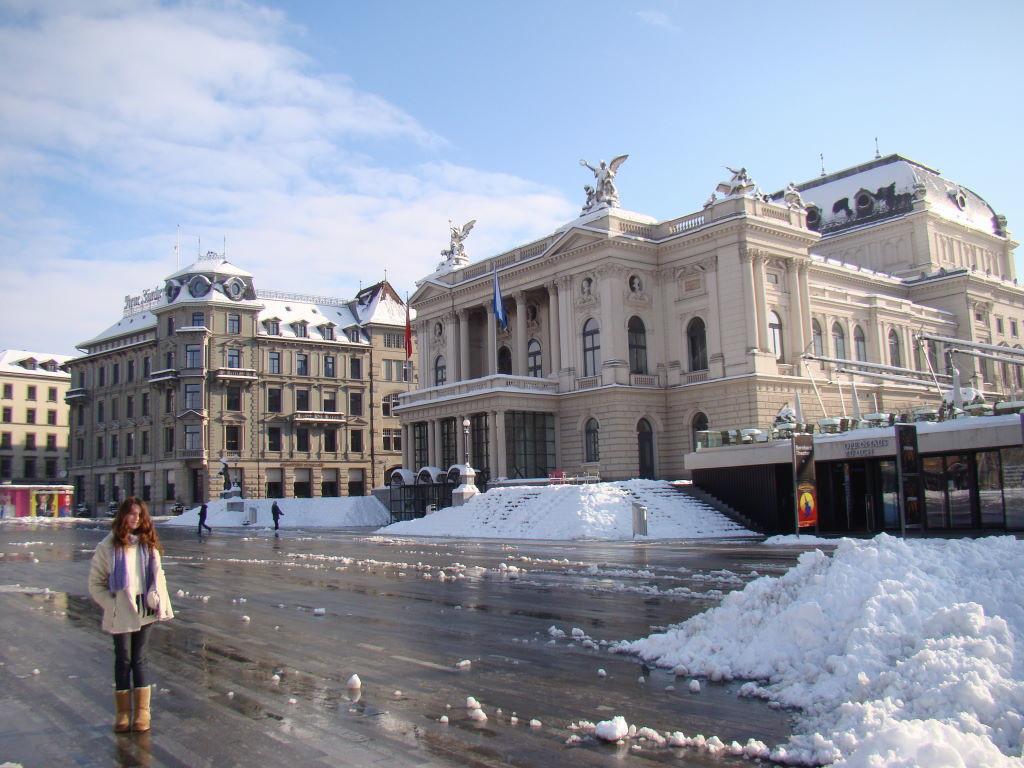 Ópera House - O que fazer em Zurique no inverno - Ano Novo e Pontos Turísticos