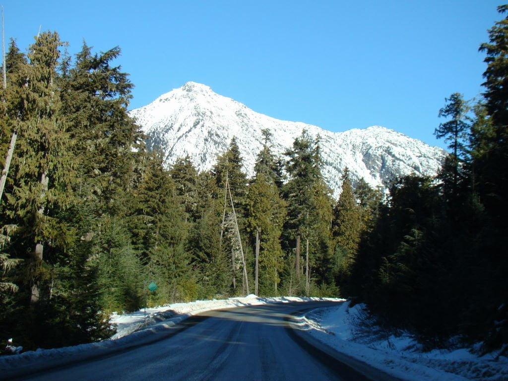 Estrada para o Joffre Lake -  O que fazer em Whistler Canadá além de esquiar