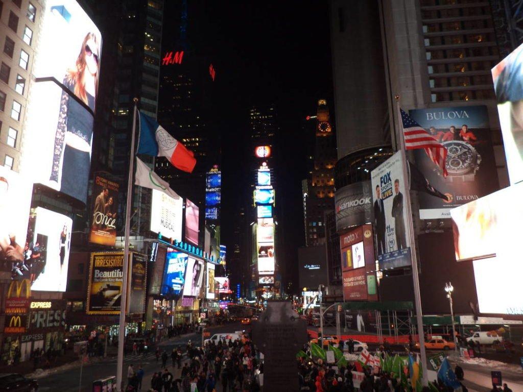 Times Square - O que fazer em Nova York no inverno - Com neve!
