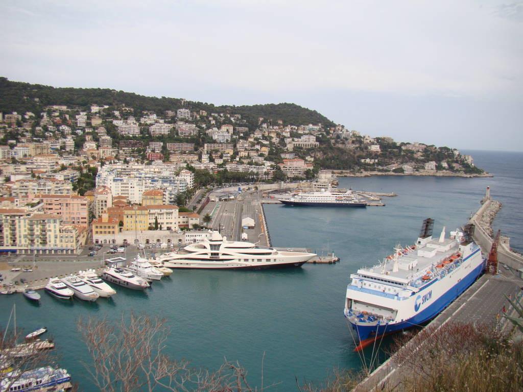 Le Port visto da Colina do Castelo - O que fazer em Nice em 1 dia