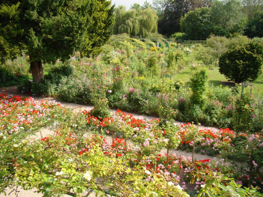 Jardim de Monet em Giverny França vistos do segundo andar da casa