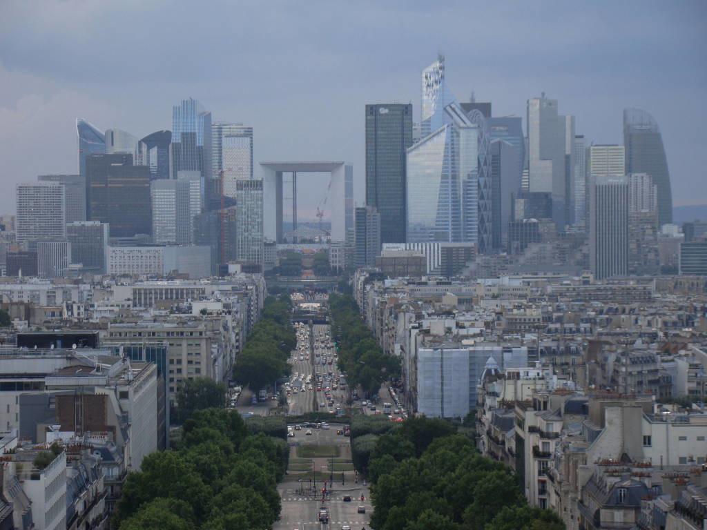La Defense vista do Arco do Triunfo - Roteiro Paris 5 Dias - Pontos Turísticos