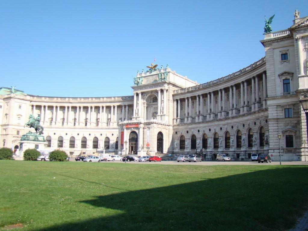 Palácio Imperial Hofburg em Viena - Para onde viajar em julho na Europa