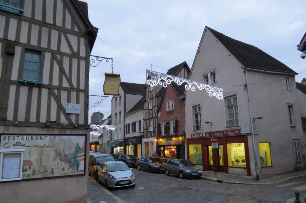 Rue de la Porte Guillaume - O que fazer em Chartres França- Passeio perto de Paris