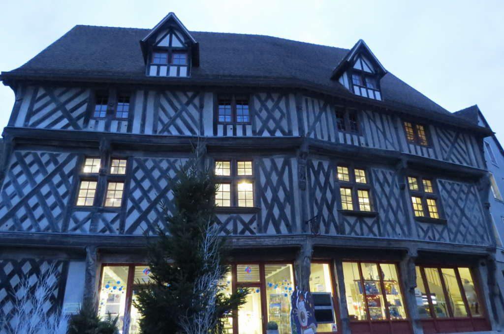 Escritório de Turismo - O que fazer em Chartres França - Passeio perto de Paris