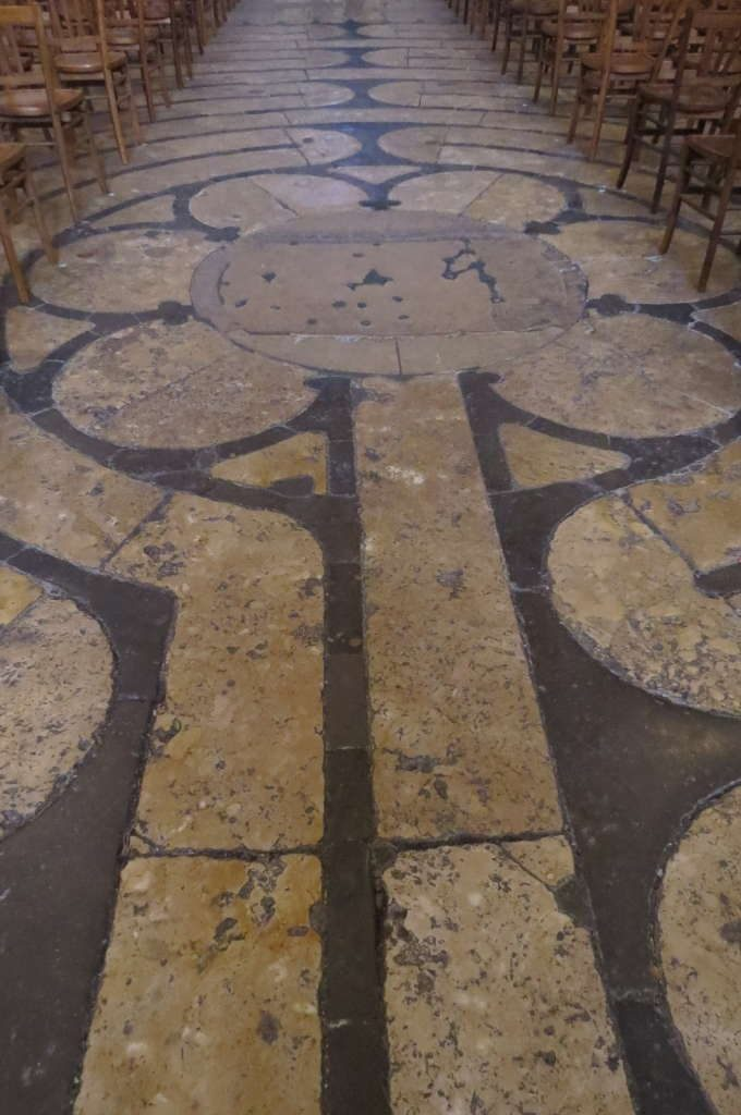 O labirinto - O que fazer em Chartres França- Passeio perto de Paris