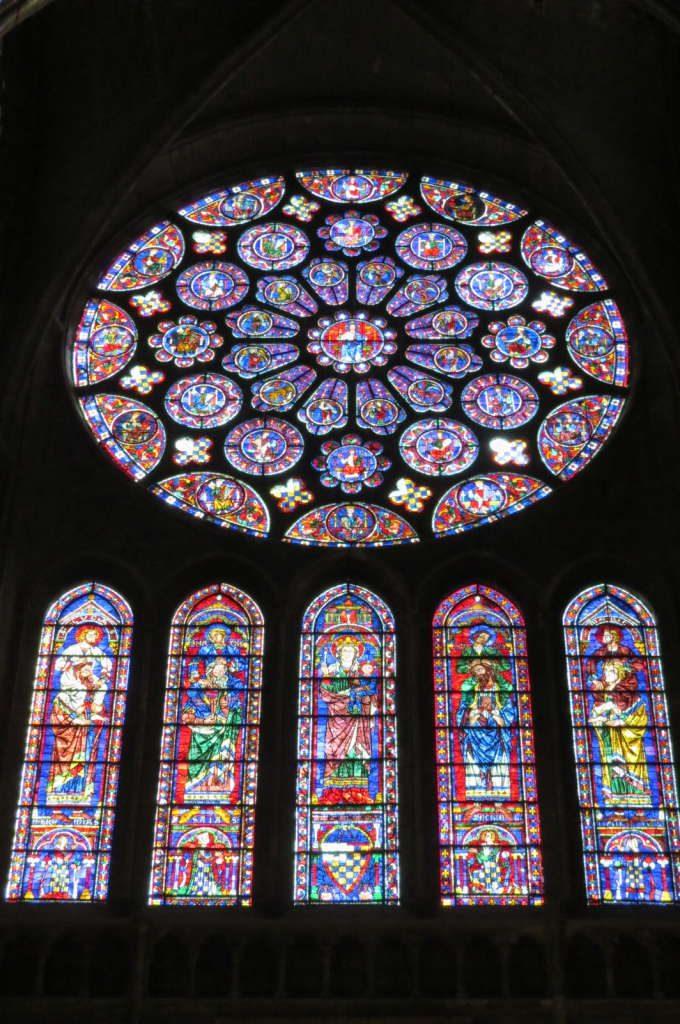 Vitrais da catedral - O que fazer em Chartres França- Passeio perto de Paris