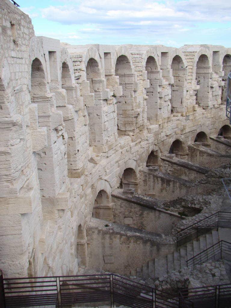 Anfiteatro - Arles França no Natal - Pontos Turísticos e Programação