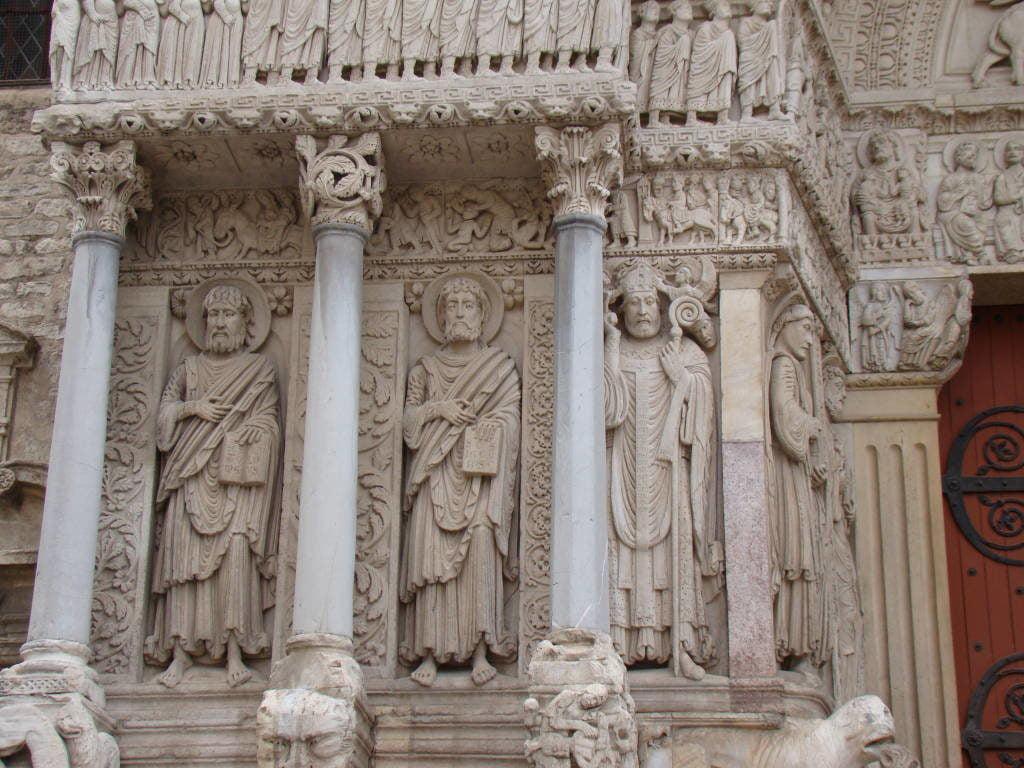 Igreja St. Trophime - Arles França no Natal - Pontos Turísticos e Programação