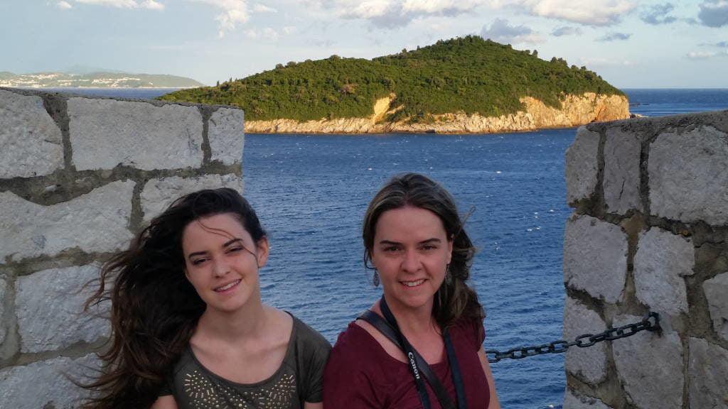 Ilha de Lokrum vista das muralhas - O que fazer em Dubrovnik Croácia
