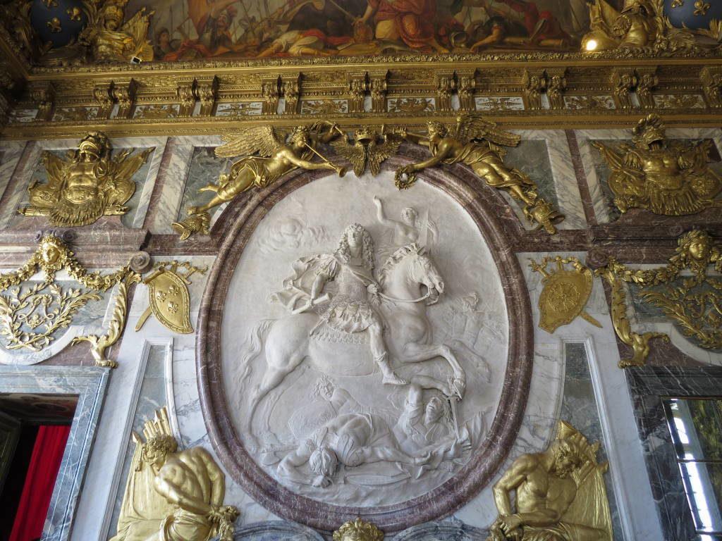A Sala da Guerra - O Palácio de Versalhes França