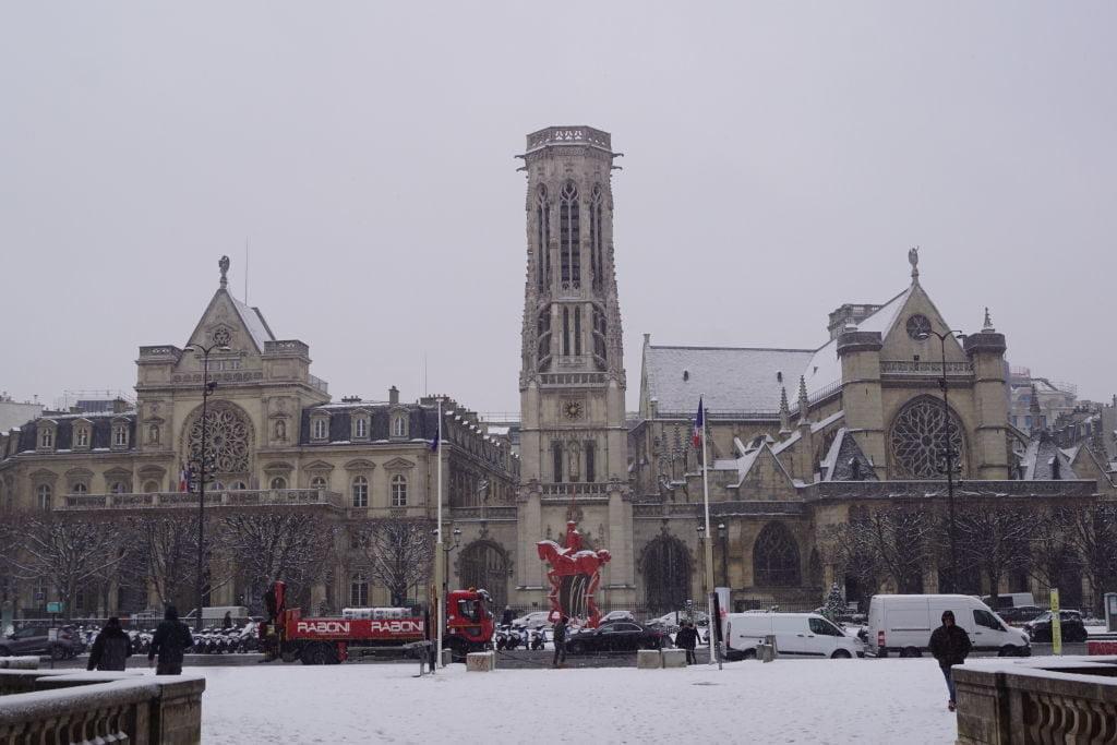 Igreja saint-German-Auxerrois -Viajar para Paris no inverno com neve!