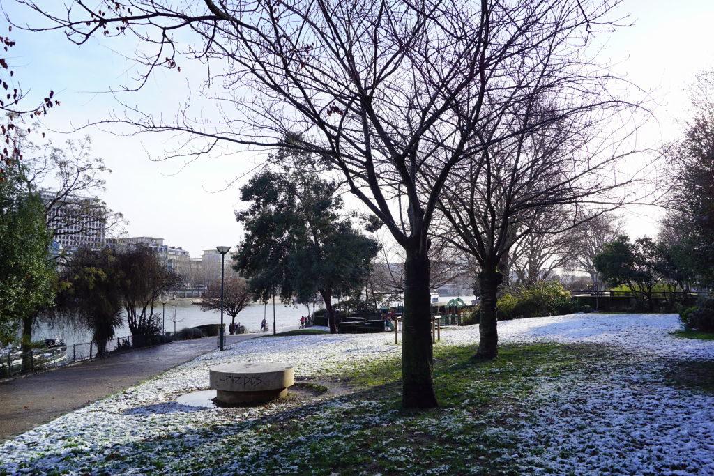 Jardim Tino-Rossi - Viajar para Paris no inverno com neve!