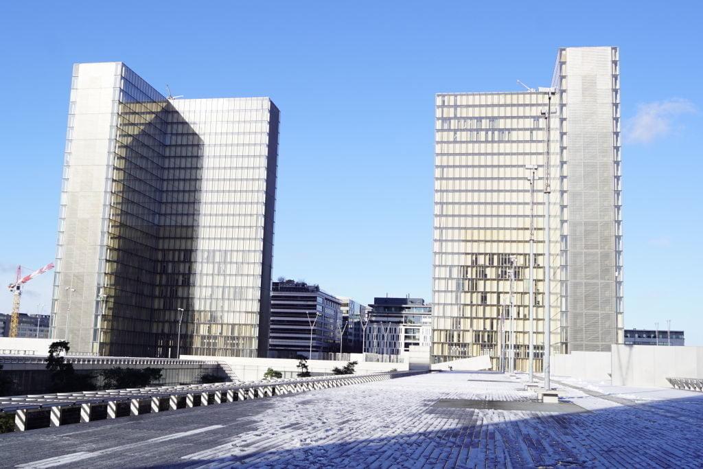 Biblioteca François Mitterrand - Viajar para Paris no inverno com neve!
