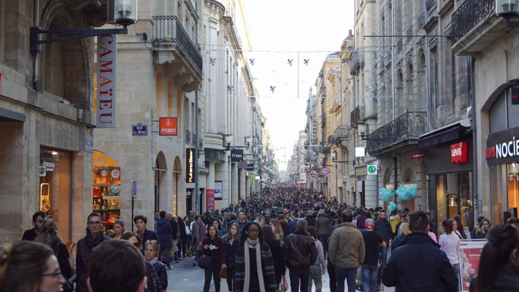 Rua Sainte-Catherine - Bordeaux França: Cidade do Vinho, Duna de Pilat e muito mais!