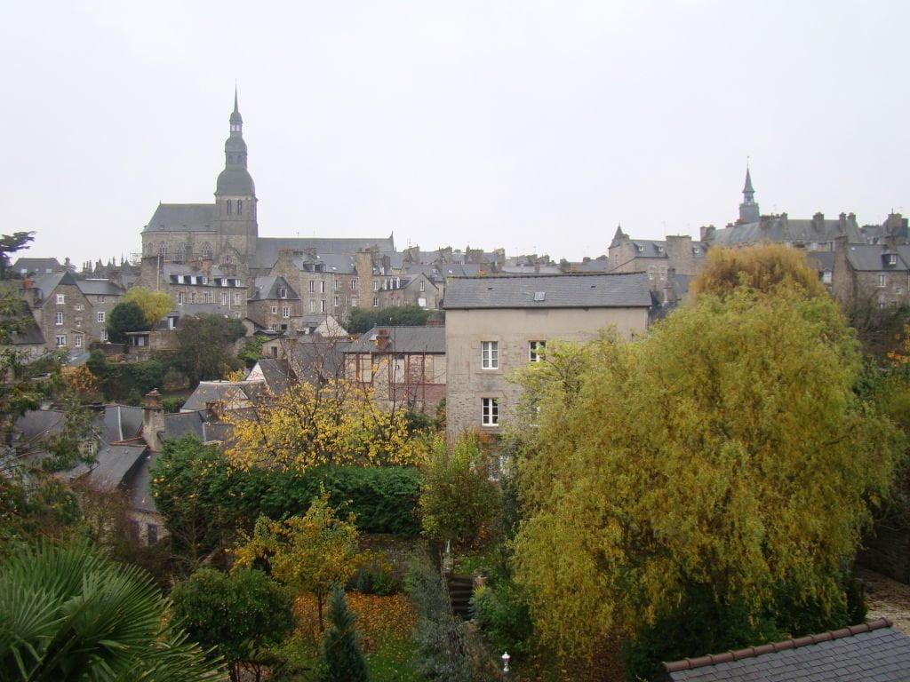 Dinan França - Uma das mais belas cidades da Bretanha