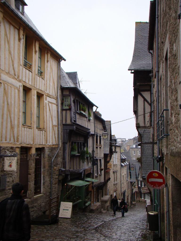 Rue de Jerzual - Dinan França - Uma das mais belas cidades da Bretanha