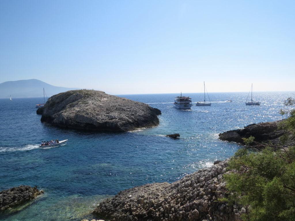 Ilha de Bisevo - Croácia Praias e Pontos Turísticos