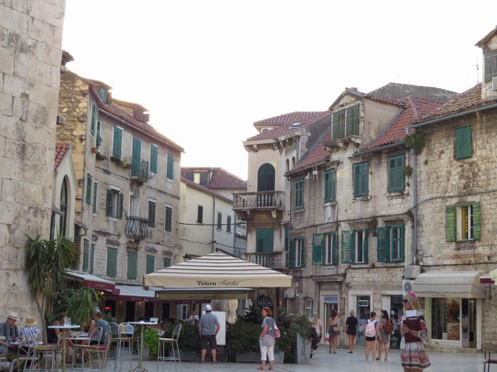 Praça das Frutas no Palácio de Diocleciano - O que fazer em Split Croácia