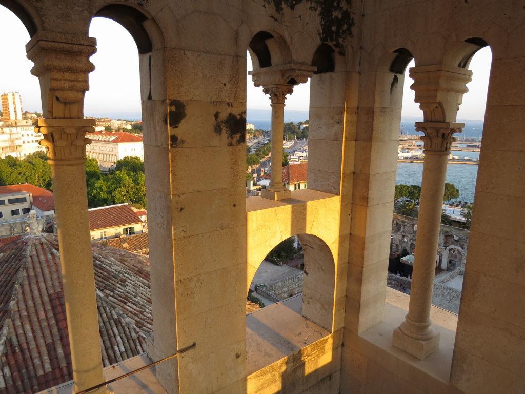 Torre da Catedral de Saint Domnius no Palácio de Diocleciano - O que fazer em Split Croácia
