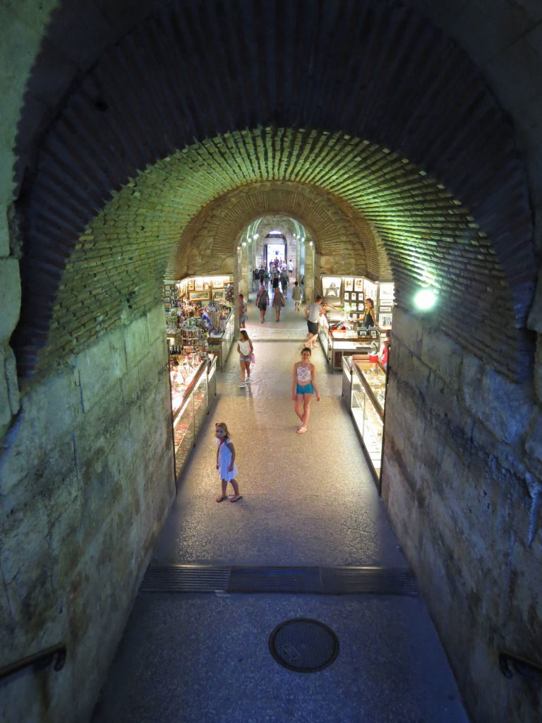 Acesso às Subestruturas - O que fazer em Split Croácia