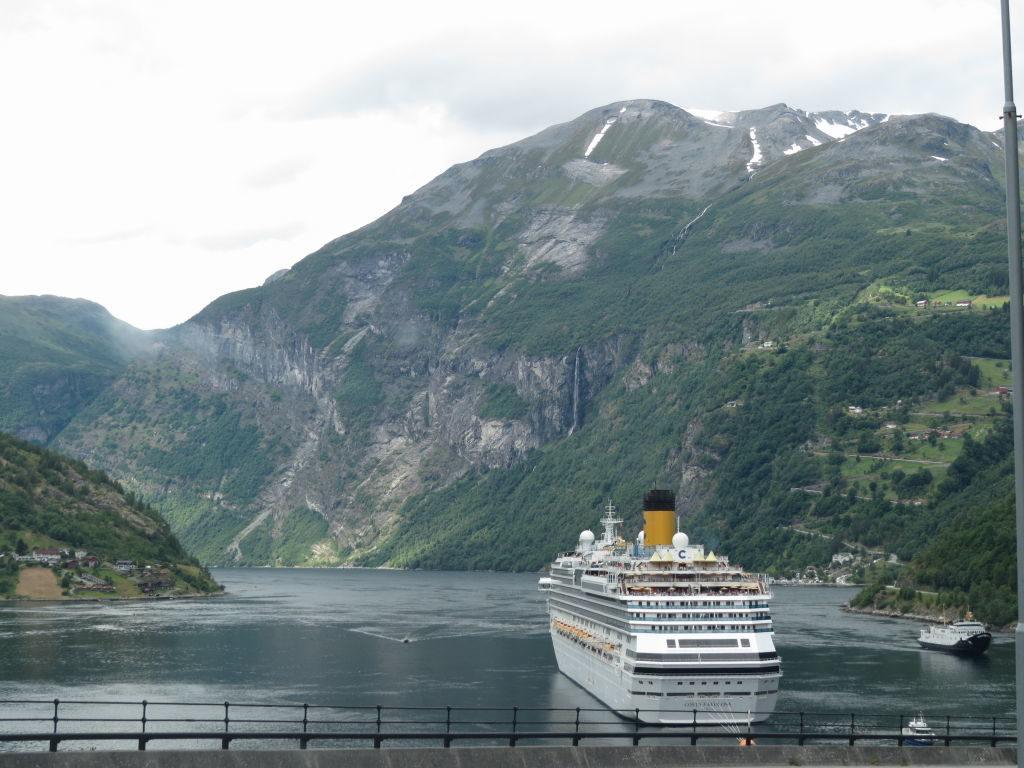 Fiorde de Geiranger visto da Cidade de Geiranger - O mais belo dos fiordes da Noruega