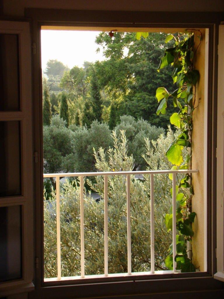Vista do nosso quarto no hotel Les Fabian des Baux - O que fazer em Les-Baux-de-Provence