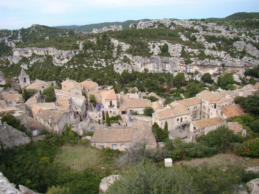 A vila medieval vista do castelo - O que fazer em Les-Baux-de-Provence