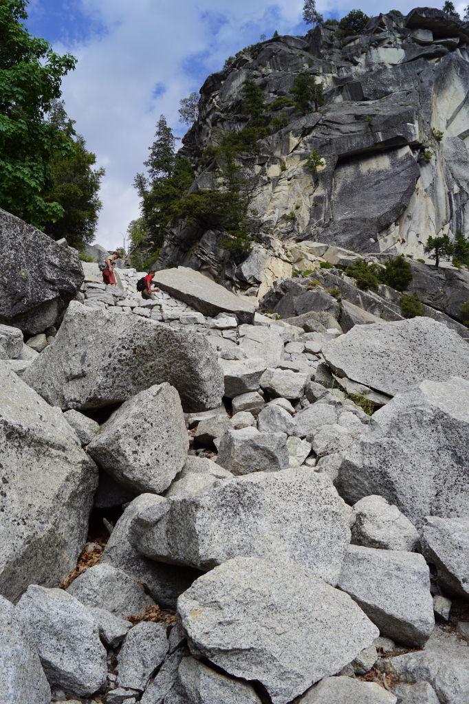 Mist Trail junto da Nevada Fall - O que fazer no Parque Nacional Yosemite na Califórnia