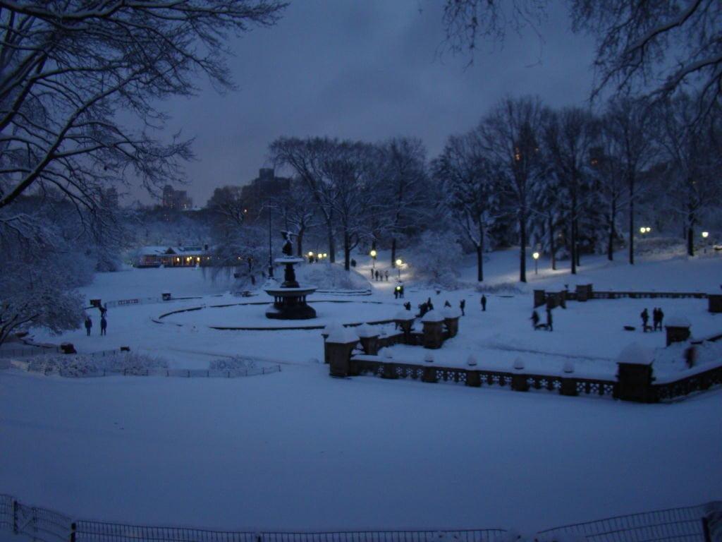 Bethesda Fountain no Central Park - O que fazer em Nova York no inverno - Com neve!