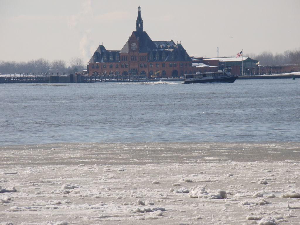 Ellis Island vista do World Financial Center -O que fazer em Nova York no inverno - Com neve!