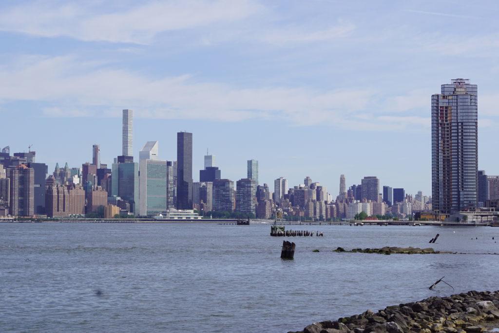 Manhattan Vista do East River State Park - Principais Pontos Turísticos de Nova York